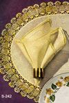 Pineapple Oval Luncheon Mat & Napkin Edging