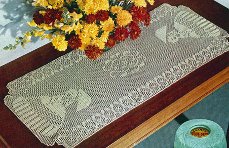 Garden Walk Runner Pattern