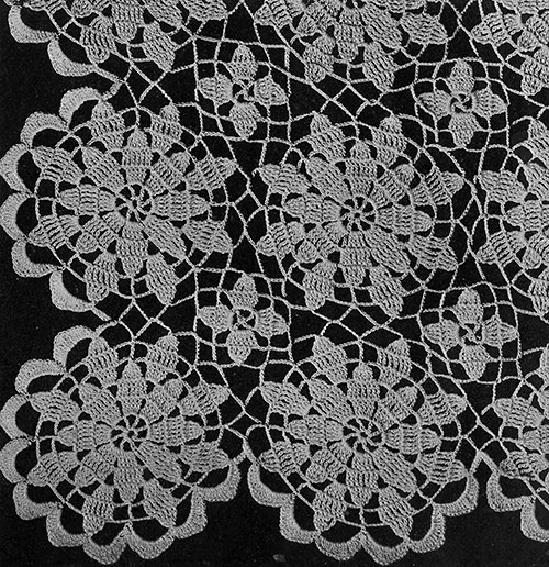 Queen Anne's Lace Tablecloth Pattern #7050 swatch