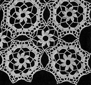 Tudor Dinner Cloth Pattern #7068 swatch