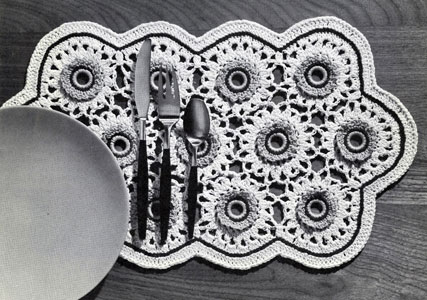 Bone Ring Blossoms Place Mat Pattern