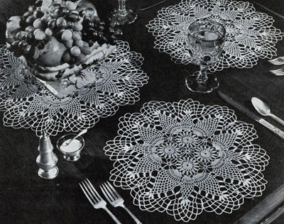 Pineapple Round Luncheon Set Pattern #7857
