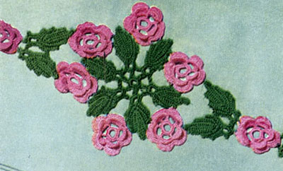 Wild Rose Scroll Motif Pattern
