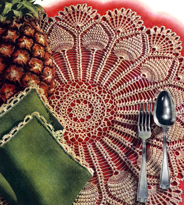 Pineapple Wheel Luncheon Mat & Napkin Pattern #S-238