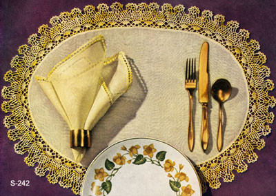 Pineapple Oval Luncheon Mat & Napkin Pattern #S-242