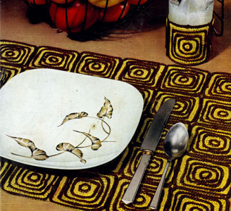 Whirligig Place Mat & Glass Jacket Pattern