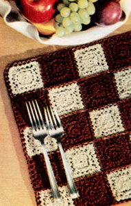 Checkered Motif Place Mat Pattern