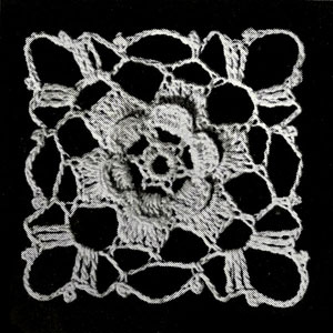 Elizabethan Rose Tablecloth Motif Pattern