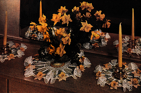 Daffodil Buffet Doily Set Pattern #8