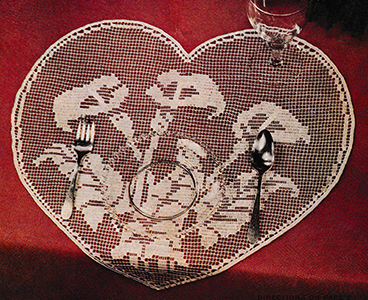 Hearts and Flowers in Shadow Filet Placemat Pattern #1