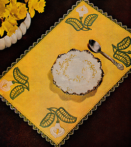 Table Doily in Crocheted Embroidery Pattern #4