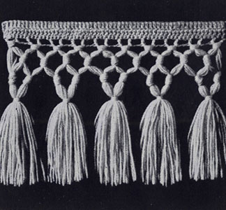 Triple Knot Fringe with Tassels Pattern
