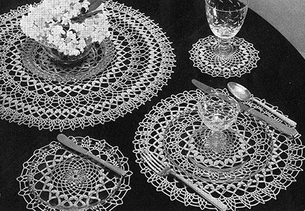 Laurel Luncheon Set Pattern #7262
