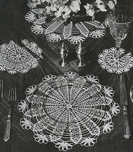 Flower Spoke Luncheon Set Pattern #7550