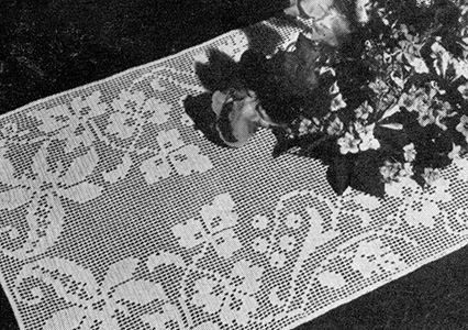 Lace Vine Table Runner Pattern #7613