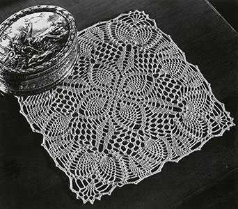 Pineapple Posy Doily Pattern #PD-426