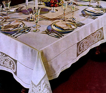 The King Cedric Dinner Cloth Pattern #729