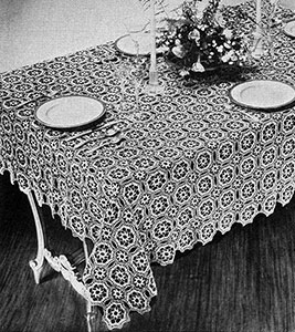 Tudor Dinner Cloth Pattern #7068
