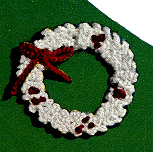 Holly Wreath Ornament Pattern